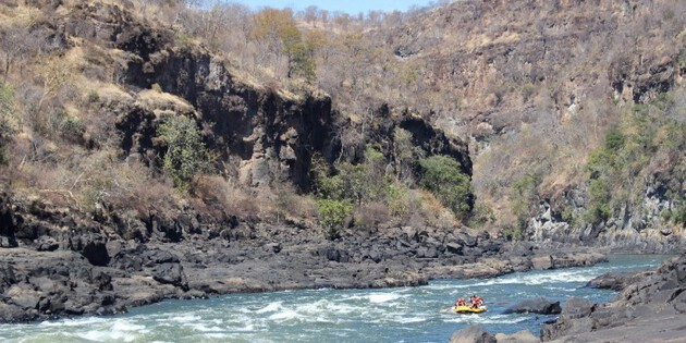 Kanu fahren im Zambesi /Sambesi (Wildwasserrafting)