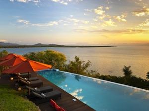 Blick auf den Malawisee in der Pumulanilodge
