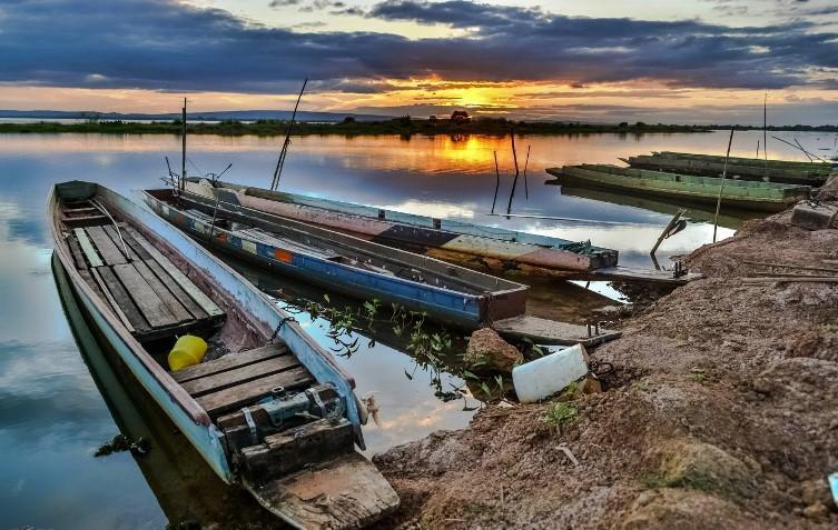 Boote am Ufer