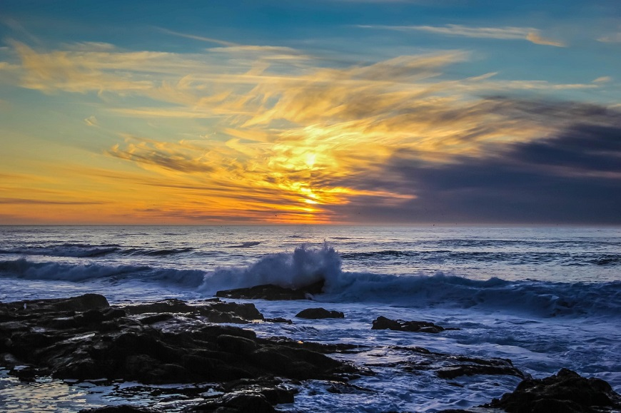 indischer Ozean in Kapstadt Küste im Sonnenuntergang